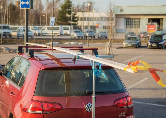 Auton katolla kuljettaminen